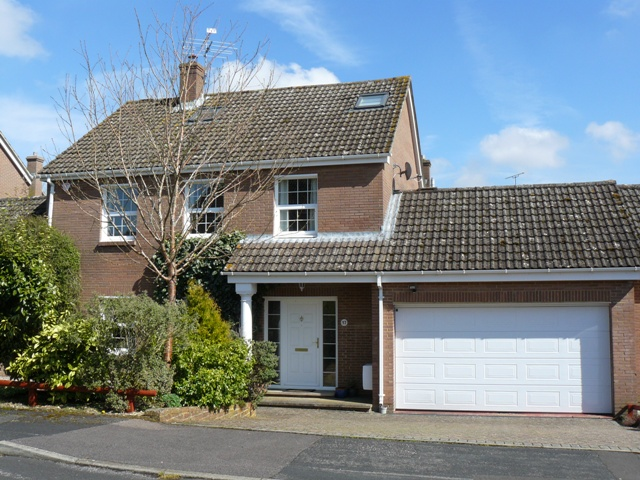 17 BURDOCK CLOSE GOODWORTH CLATFORD ANDOVER SP11 7RS